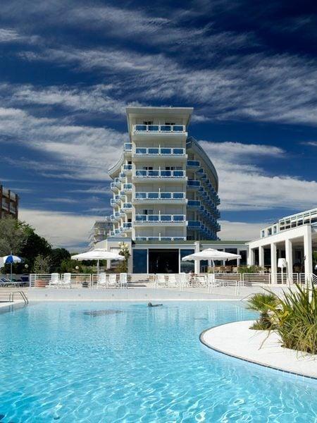 Hotel bibione majestic beach fronte mare spiaggia bibione - Hotel bibione con piscina ...